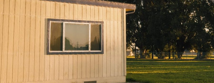 how-to-install-DIY-mobile-home-skirting-on-an-older-home